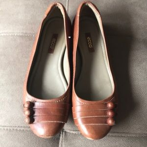 Camel colored flats. Size 7 (37) by Ecco
